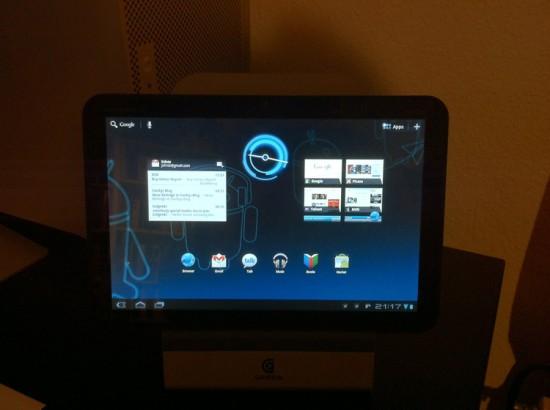 Motorola Xoom Android 3.0 Honeycomb Tablet