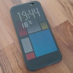 HTC One M8: Upate für Dot View Cover bringt Wallpapers