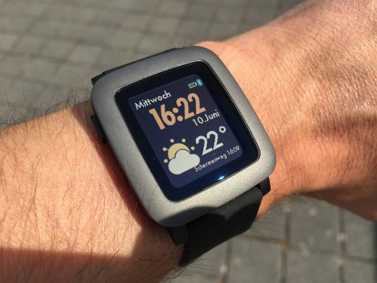 Pebble-Time-Outdoor